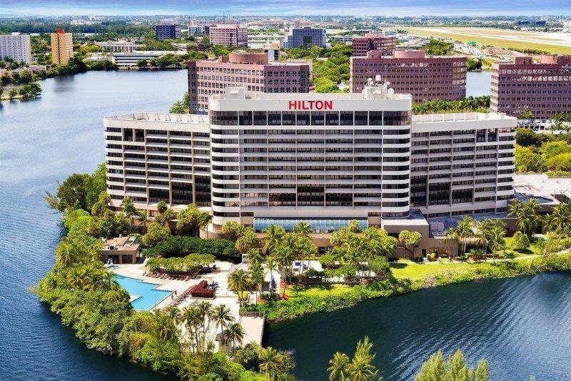 Hilton Miami Airport Blue Lagoon Wedding Venue Review