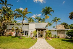 Whimsical Key West House – Miami Wedding Venue Review
